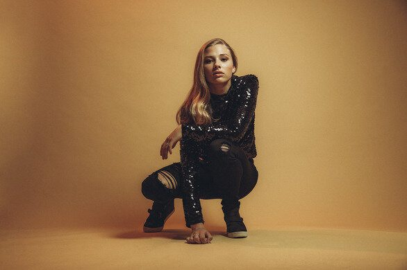 """Claire Frazier Releases """"I Want You Bad'"""""""